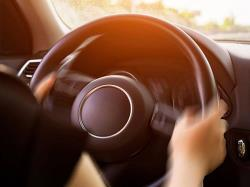 بررسی علل لرزش فرمان خودرو (1)